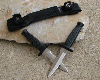 Double Daggers Concealed Combat Knives
